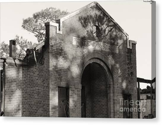 Point Clear School Canvas Print by Russell Christie