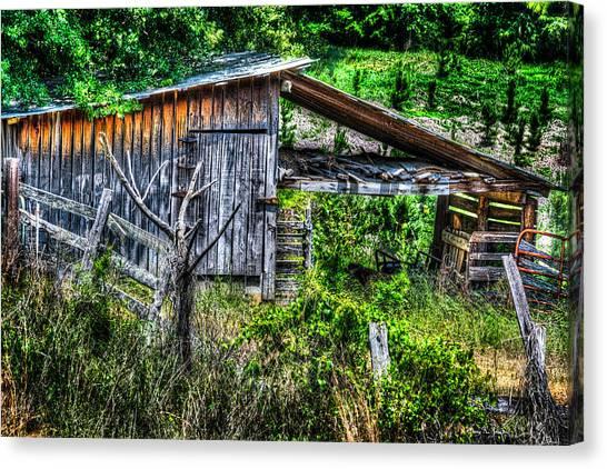 Farm - Barn - Pope - Water Valley Barn Canvas Print by Barry Jones