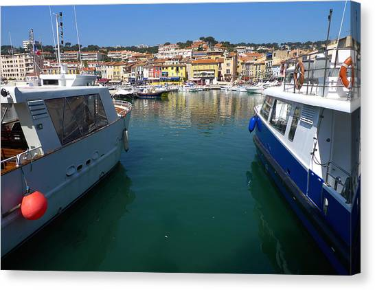Port De Cassis Canvas Print