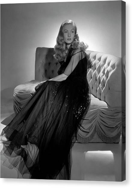 Portrait Of Veronica Lake Canvas Print by John Rawlings