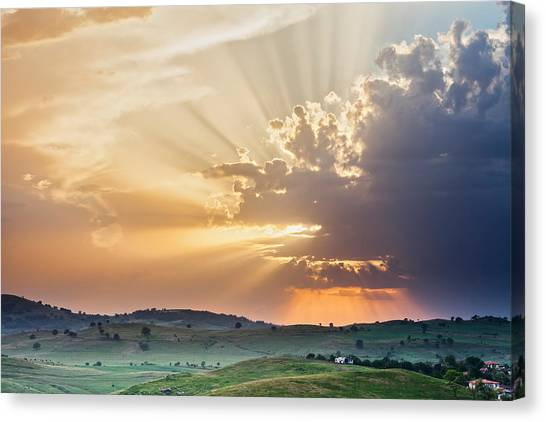 Powerful Sunbeams Canvas Print