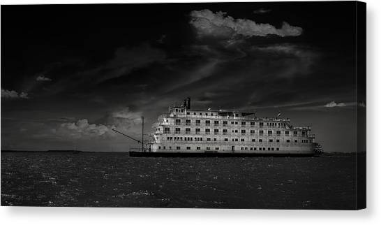 Queen Of The Mississippi  Canvas Print