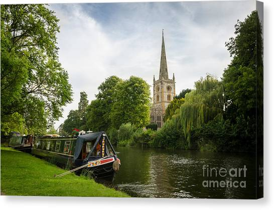 Quintessential English Countryside At Stratford-upon-avon Canvas Print by OUAP Photography