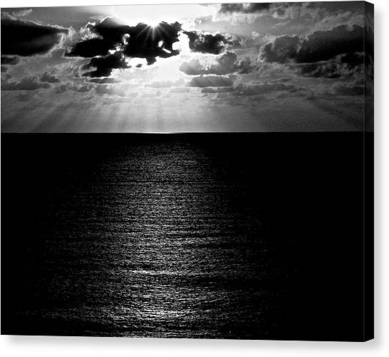 Rays In Black And White Canvas Print by Heidi Horowitz