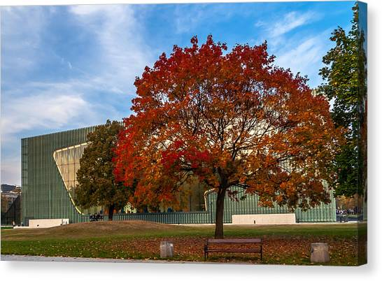 Red And Yellow Tree At The Front Of The Museum Of The History Of Polish Jews In Warsaw Canvas Print
