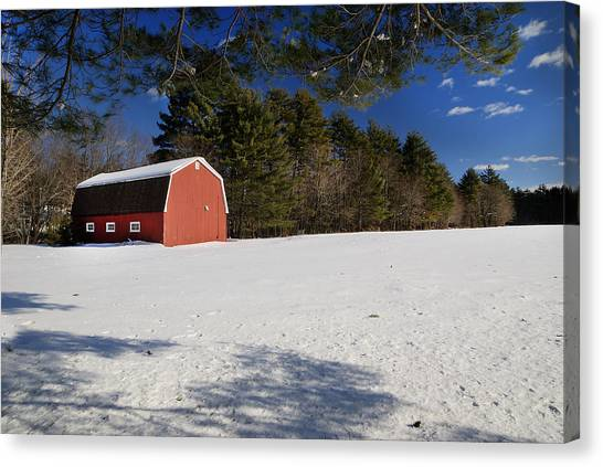 Red Barn In Hollis Canvas Print by Lee Fortier