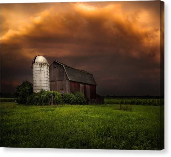 Red Barn Stormy Sky - Rustic Dreams Canvas Print