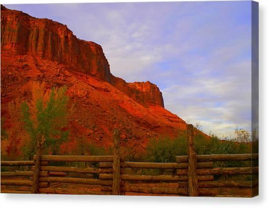 Red Cliffs Near Moab Ut Canvas Print