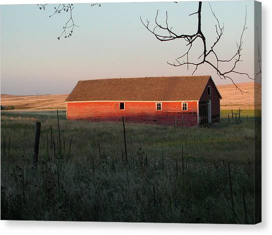 Red Granary Barn Canvas Print
