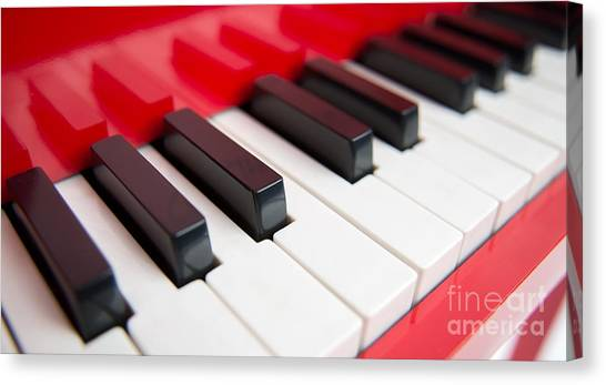 Canvas Print featuring the photograph Red Piano by Yew Kwang
