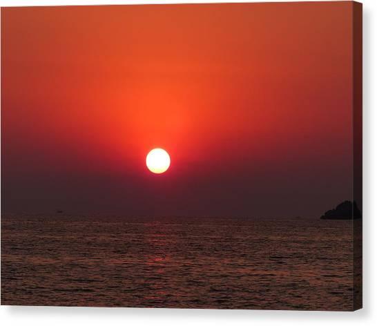 Playa La Ropa Sunset Canvas Print
