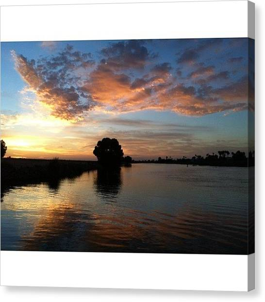 Canvas Print - Reflect Upon Your Present Blessings, Of by Super Mario