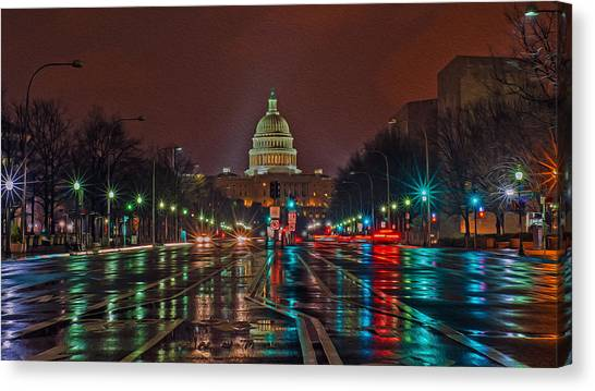 Reflecting On D.c. Canvas Print