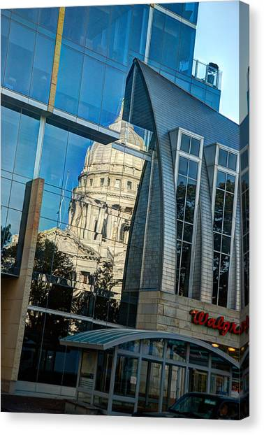 Reflections Of The Capitol Canvas Print