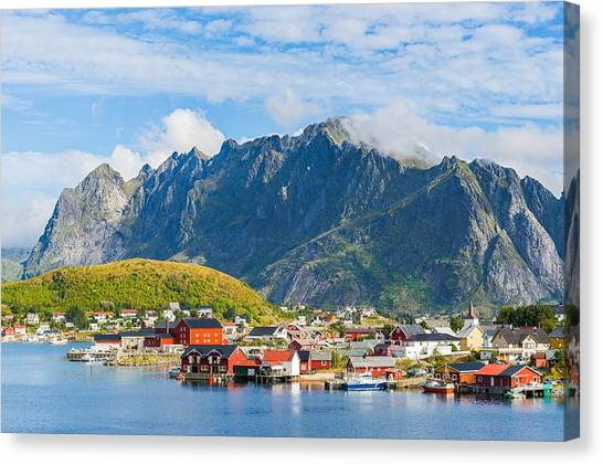 Reine In Lofoten Canvas Print