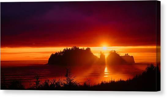Renaldo Beach Sunset Canvas Print