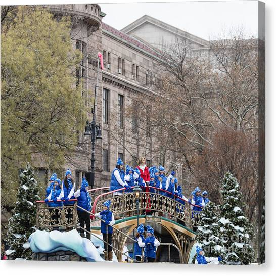 Macys Parade Canvas Print - Renee Fleming On Central Park Float At Macy's Thanksgiving Day Parade by David Oppenheimer