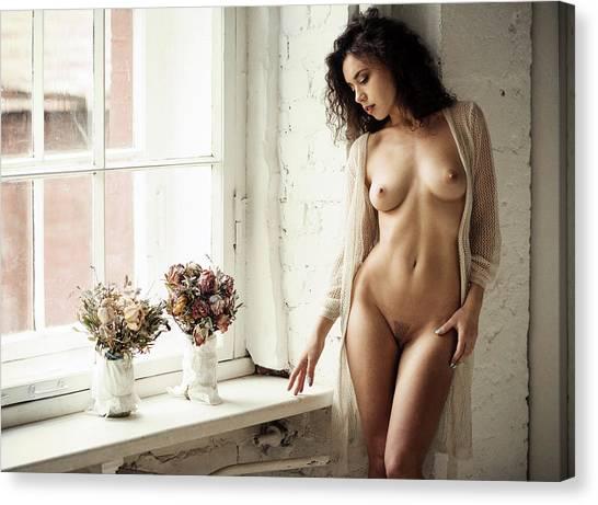 Fine Art Nudes Canvas Print - Retrato Con Flores by Gene Oryx