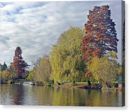 River Avon In Autumn Canvas Print