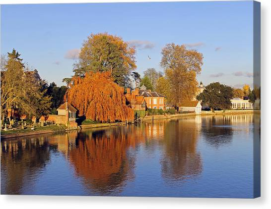 River Thames At Marlow Canvas Print