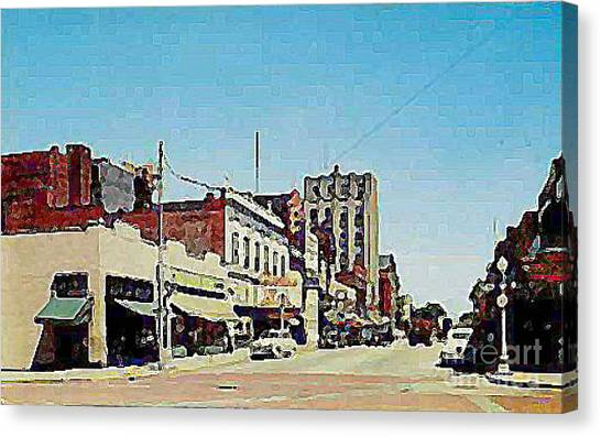 Robins Theatre In Niles Oh In The 1950's Canvas Print by Dwight Goss