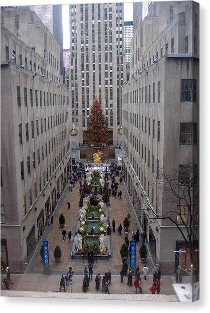 Rockefeller Plaza At Christmas Canvas Print