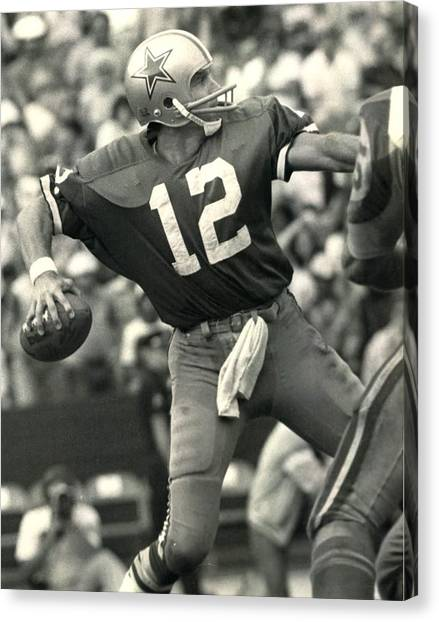 Dallas Cowboys Canvas Print - Roger Staubach Vintage Nfl Poster by Gianfranco Weiss
