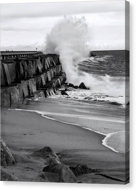 Rogue Bullet Wave Cabrillo Beach By Denise Dube Canvas Print