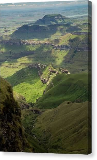 Royal Natal National Park Canvas Print by Bob Gibbons