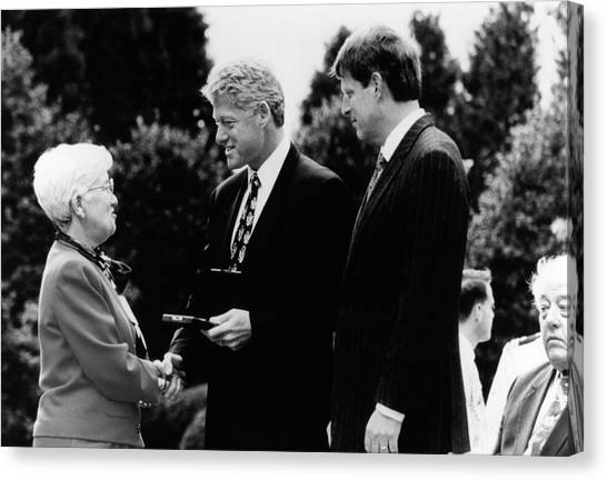 Bill Clinton Canvas Print - Rubin's National Medal Of Science by Emilio Segre Visual Archives/american Institute Of Physics