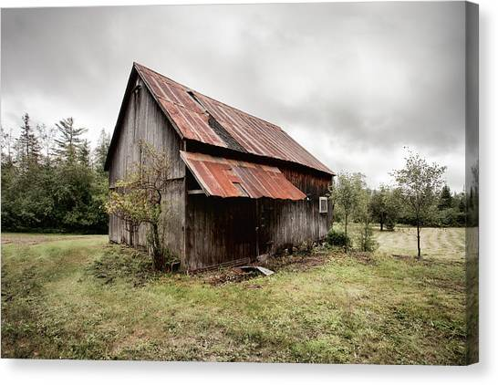 Rusty Tin Roof Barn Canvas Print