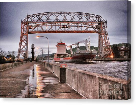 Sailing Through The Duluth Aerial Lift Bridge Canvas Print