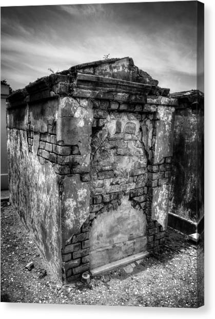 Saint Louis Cemetery No. 1 Brick Grave In Black And White Canvas Print