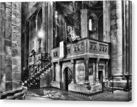 San Michele Toward The Altar Canvas Print