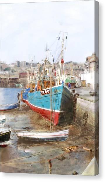 Scarborough Harbour Canvas Print