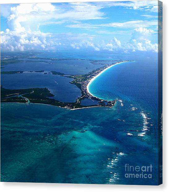 Shoreline-cancun Canvas Print by Addie Hocynec
