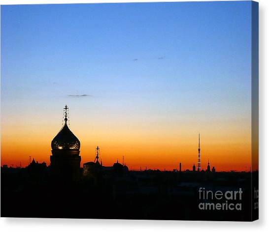 Silhouette In St. Petersburg Canvas Print by Lars Ruecker