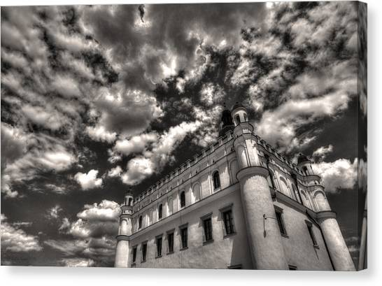 Sky Breaker In Black And White Canvas Print