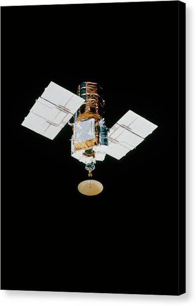 Space Shuttle Canvas Print - Smm Satellite In Space After Repair by Nasa/science Photo Library.
