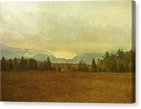 South To Franconia Notch Canvas Print