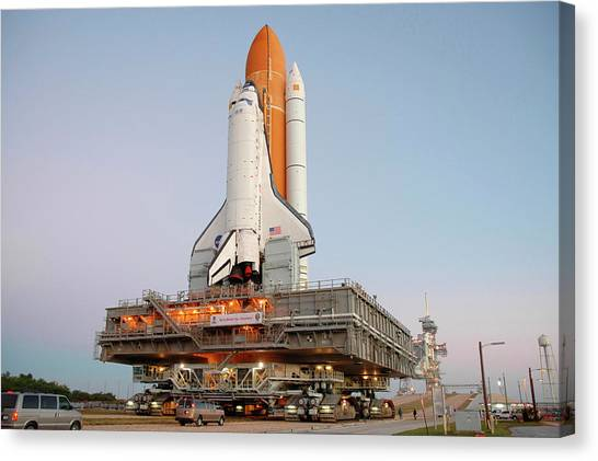 Space Shuttle Canvas Print - Space Shuttle Discovery by Nasa/science Photo Library