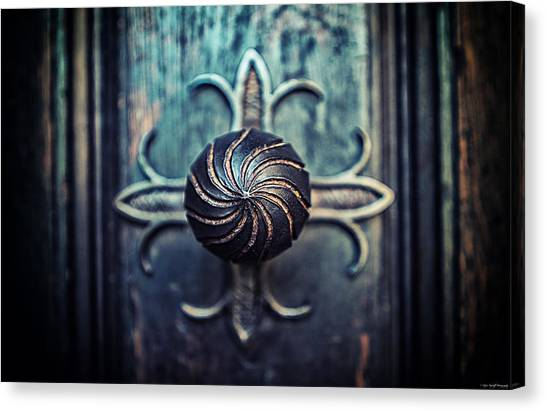Canvas Print featuring the photograph Spiral Knob by Ryan Wyckoff