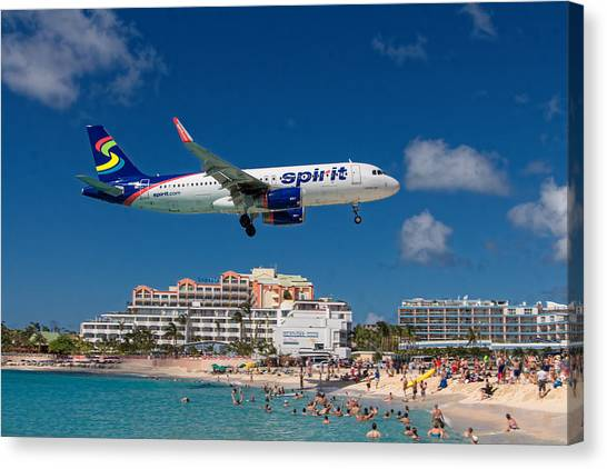 Spirit Airlines Low Approach To St. Maarten Canvas Print