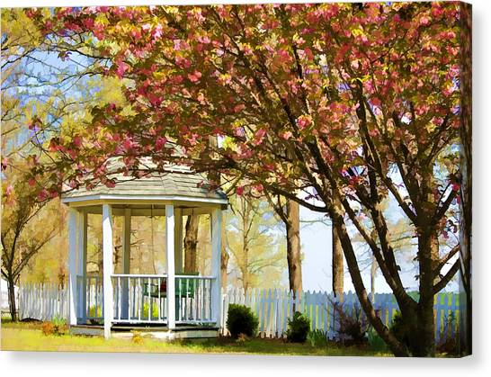 Springtime Southern Style Canvas Print by Dan Holland