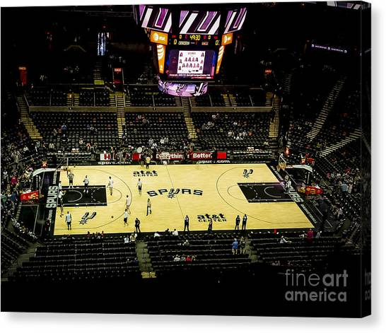 Memphis Grizzlies Canvas Print - Spurs At Home by Ken Johnson