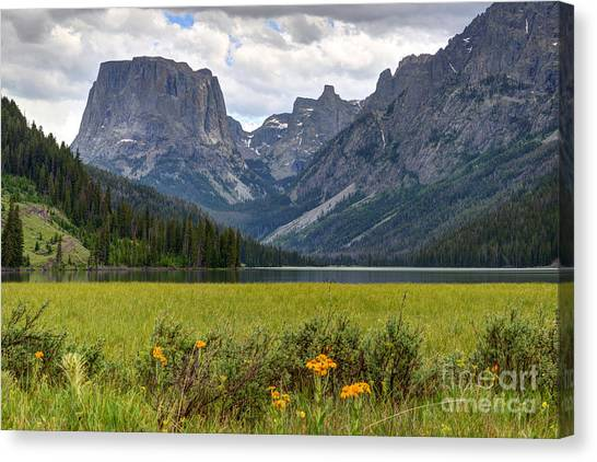 Squaretop Mountain And Upper Green River Lake  Canvas Print