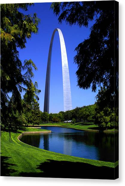 St Louis Gateway Arch Canvas Print
