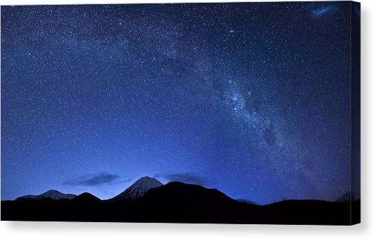 Starry Night Over Mount Ngauruhoe Canvas Print