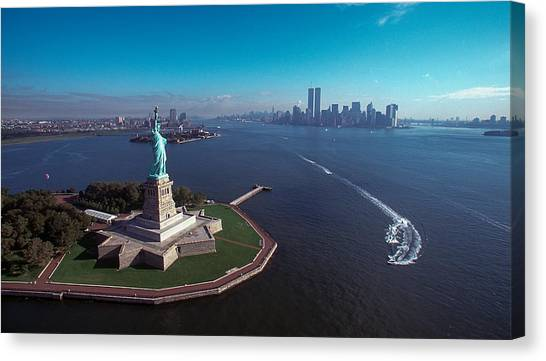 Statue Of Liberty Canvas Print by Kim Lessel