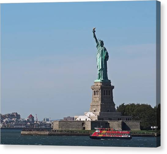 Canvas Print - Statue Of Liberty by Rona Black